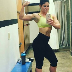 Were loving this flexfriday with Danielle Shes an excellent examplehellip